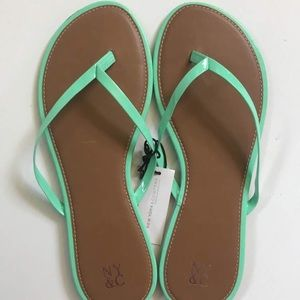 New York & Company Faux Leather Flip Flops